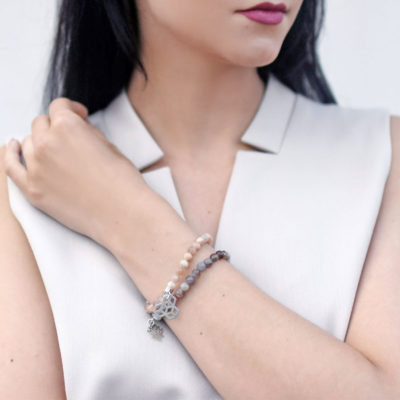 Biżuteria w stylizacji marki BEE COLLECTION - bransoletki THINK POSITIVE STAY STRONG