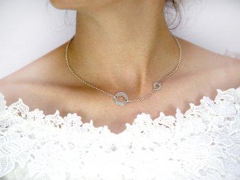 srebrny naszyjnik z kółeczkami