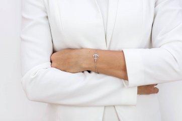 srebrna bransoletka damska z kotwicą